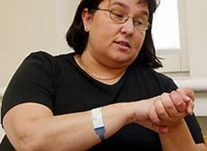 Foto: LASSE HALVARSSON Sämre lungsjukvård. Efter vårdplatsneddragningarna på länssjukhuset i Gävle har det blivit svårare för Maria Wikström och andra lungsjuka att få specialistvård. Platserna på lungkliniken räcker inte till.