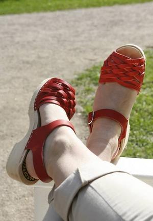 Röda läckra skor för lite finare tillfällen. Från Walk On skobutiken, 299 kronor.