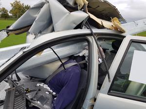 Så här ska ett vägräcke inte kunna bete sig. Ett olycksscenario som hade kunnat undvikas om räcket hade varit rätt.