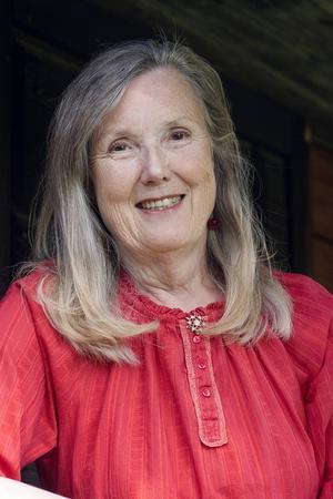 Margareta Sarri är aktuell med dokumentärnovellsamlingen Kedja.