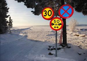 """Isvägen mellan Sunne och Vällviken är klar för att öppnas.""""Det kan bli redan nu i helgen"""", säger Bengt Landén på vägverket, som ansvarar för isvägarna."""
