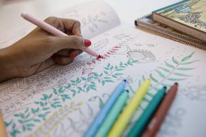 Målarböcker för vuxna med tema mindfulness.