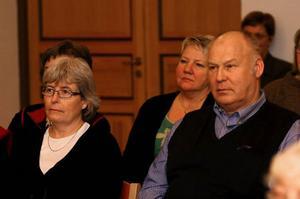 Efterdyningarna till vårdskandalen på Hagängsgården fortsätter. På bilden Eva Gottvall Brunos, Verksamhetschef och nämndsordföranden Sven-Åke eriksson. mellan dem kommunals Barbro Östlund.