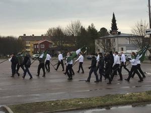 Nordiska motståndsrörelsen samlas vid Maserhallen.