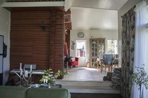 Inuti huset finns grundstommen kvar.
