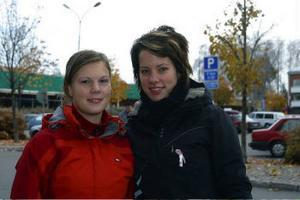 Evelina Hägg och Emelie Andersson åker till Sri Lanka för att överlämna pengar till ett barnhem.