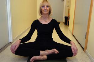 Martine van Louwe brinner för yoga.