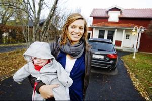 Susanne Hallgren har precis tittat på ett hus som är till salu i Ope. Hon konstaterar att priserna i dag är betydligt högre än för två år sedan när hon och sambon började leta efter en ny bostad.