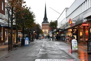 Här, på Kyrkogatan, ska den nya ledningen dras två meter under marken. Arkivbild.