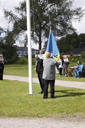 Dags att hissa flaggan.