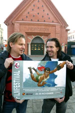 Affischen och logotypen fick de hjälp av Christian Beijer med.