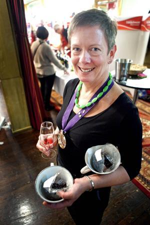 Dawna Alexander från Östersund är sommelier på fritiden, och äta gärna choklad till både vin och whisky.