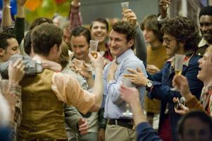 """Sean Penn förtjänar sin Oscar för bästa manlig huvudroll i """"Milk""""."""