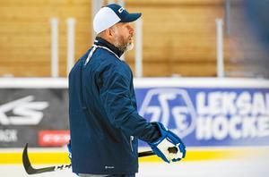 Markus Åkerblom under ett ispass med Leksands a-lag tidigare i höst.