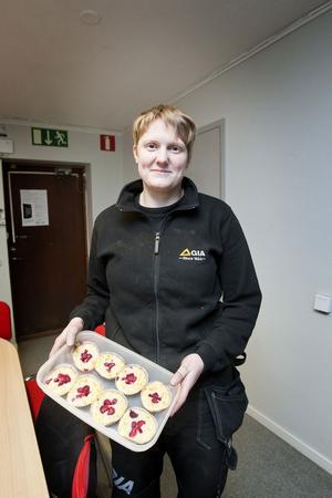 Kalorisnålt fikabröd. Hanna Ek har blivit mer noggrann med vilka sötsaker bakverken innehåller.