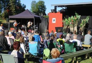 Riksteaterns föreställning Potatishandlaren lockade storpublik när den sattes upp i Lillhärdal.