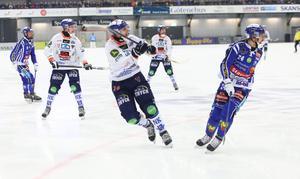 Patrik Nilsson gjorde det avgörande målet i Sparbanken Lidköping Arena – igen.