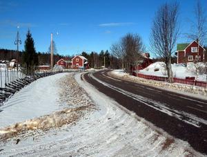 Det är tyst och stillsamt i byn Bingsjö på vintern - på sommaren är det dock livat värre när fiolerna härskar under en vecka. Foto: Per Malmberg/DT