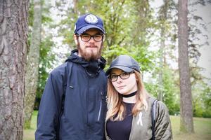 Nu är Kenneth Almgren och Michelle Stenholm tillbaka i södra Dalarna. Just nu letar de efter jobb.