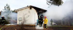 En villa utanför på Norra Åsvägen i Brittsbo, mellan Lugnvik och Byskogen, blev totalt utbränd på fredagseftermiddagen. Ingen person kom till skada.