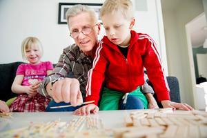 När Kent Klarvik fick en ny lever för fem år sedan fick livet en nystart efter många år av trötthet och orkeslöshet. I dag lever han ett helt annat liv och med träning och bus med barnbarnen.