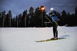 På Södra Berget i Sundsvall har man lagt konstsnö i väntan på den riktiga snön.