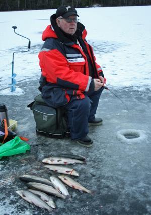 Rolf Nilsson hade en framgångsrik dag på Grössjöns is.
