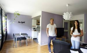 Sambos. Anton och Malin flyttade ihop i mars. Sedan dess har de fyllt trean med möbler, nästan alla är begagnade.