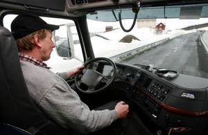 – Det är synd om folket som bor efter Skalstugevägen,  säger Göran Lalander.