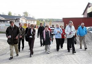 En delegation gav sig ut till Norrlands Trä under förmiddagen.