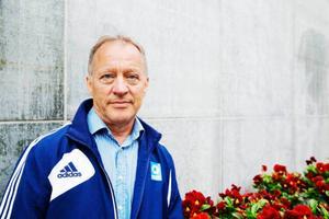 Benny Brovinger ska med fru Elisabeth få kalasa med kungaparet på slottet i Stockholm.