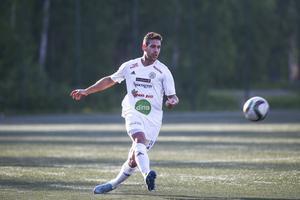 Simon Fäger – målskytt och poängräddare för SFF.