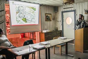 Kommunekologen Niklas Svensson berättade om miljöprövningsprocessen.