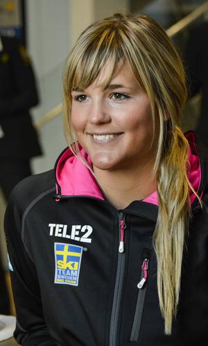 Med två deltävlingar kvar leder Anna Holmlund den totala världscupen.