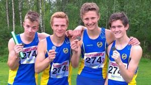 Silvermedaljörerna Erik Larsson, Oscar Jacobsson, Oscar Hjerm, Lukas Nordén