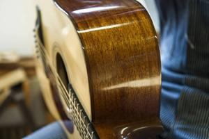 I snitt tar det ungefär en månad för Per Marklund att tillverka en gitarr.