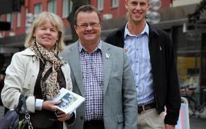 Ulla Olsson, Clas Jacobsson och Carl-Oskar Bohlin, Moderaterna, har i dagarna släppt sitt manifest för Borlänge. FOTO: KLARA ERIKSSON