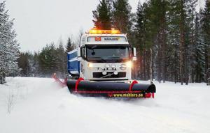 Snöplogtillverkaren Mählers i Rossön har fått fart på försäljningen igen tack vare allt snöande i både Sverige och Norge. Foto: Thomas Andersson