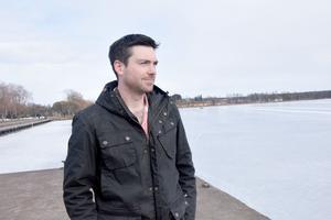 Jeremy Colliton vid norra Siljans strand.