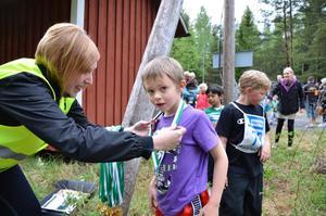 Jesper Davidsson fick, likt alla tävlande, en medalj för sin insats.