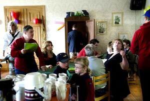 Fest. Falu FUB hade 50-årsfest vid Liljans herrgård i lördags. Ett 60-tal medlemmar kom till kalaset.