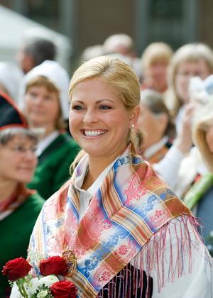 På nationaldagen öppnade Prinsessan Madeleine, tillsammans med riksmarskalken Ingemar Eliasson, slottet för allmänheten. Det är enda dagen på året då besökare får vandra fritt i slottsbyggnaden.