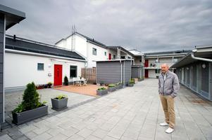Ludvikahems uthyrningschef Hans Gustavsson har ytterst få lediga lägenheter att erbjuda bostadssökande. De som kommer ut på marknaden får snabbt nya hyresgäster – oavsett om de ligger centralt eller i någon av stadsdelarna utanför centrum.