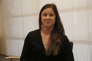 Sandra Lindgren är varm och glad, men inom henne vilar smärta som ingen ser.