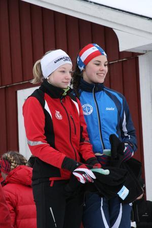 Moa Olsson och Ebba Einarsson vann D 15–16-klassen.