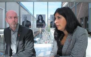 Jobben är en av socialdemokraternas viktigaste valfrågor.-- Vi vill tillskapa 12 miljarder där 33 går till Falun, säger Roza Güclu riksdagskandidat för s som lovar 250 nya utbildnings- och praktikplatser.T v oppositionsrådet Jonny Gahnshag.FOTO: SYL