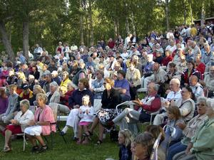 Styrnäs Framtid uppmärksammas också för sitt engagemang, bland annat genom Trivselkvällarna i Konvaljparken.