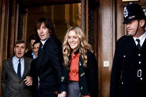 Rhys Ifans och Chloe Sevigny som knarkkungen Howard Marks och hans fru i