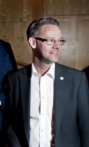 Umeåmoderaten Anders Ågren hoppas att Örnsköldsvik ska gå med i samarbetet Umeåregionen redan i dag.