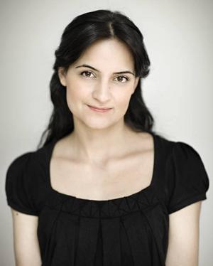 Rolig också.  Marjaneh Bakhtiari  dramatiserar integrationsdebatten